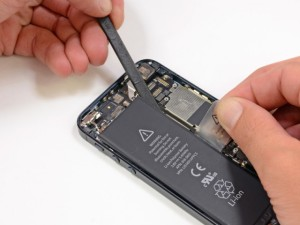 zamena-akkumulyatora-iphone5c